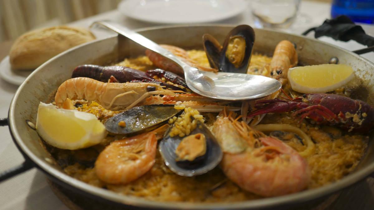 Паэлья с морепродуктами. Ресторан Марина Вентура.